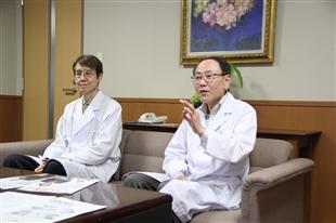 医疗法人社团苏生会理事长津田永明、苏生会医院院长马渊顺久